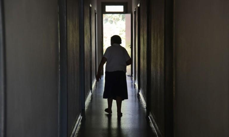 Saúde fecha asilo clandestino em Maringá