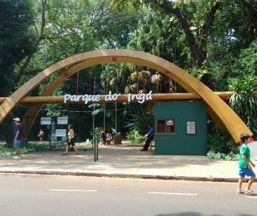 Parque do Ingá sem pista emborrachada