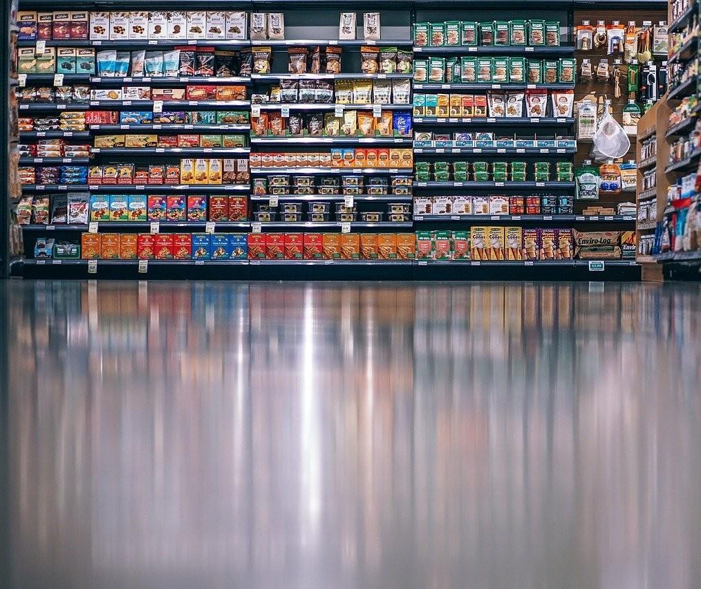 Supermercados de Maringá vão abrir nesse domingo (6), diz Apras