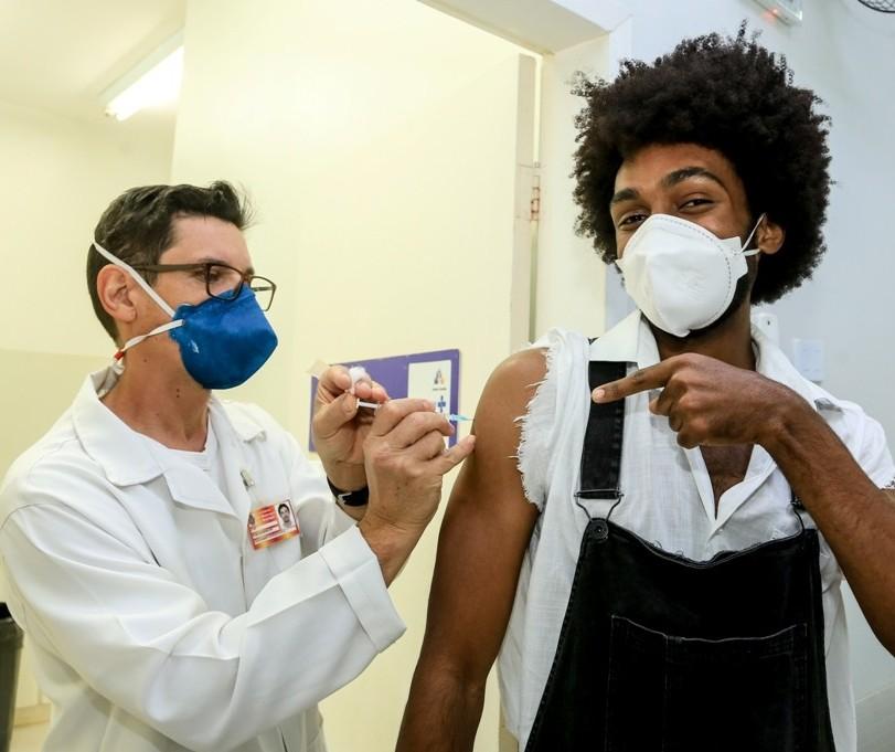 Covid-19 em Maringá: Saiba quem pode se vacinar nessa quarta-feira (6)