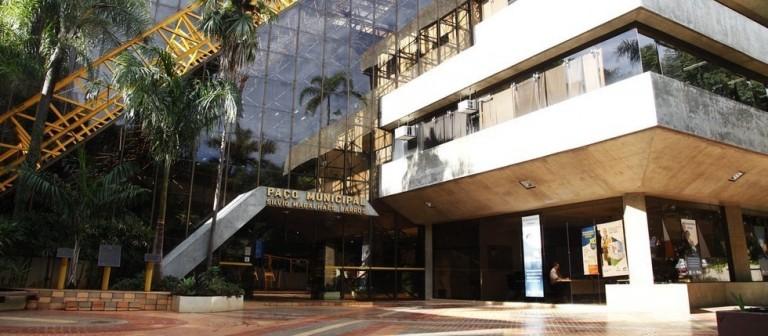 Gastos com servidor ficam em R$ 878 milhões em 2021 em Maringá