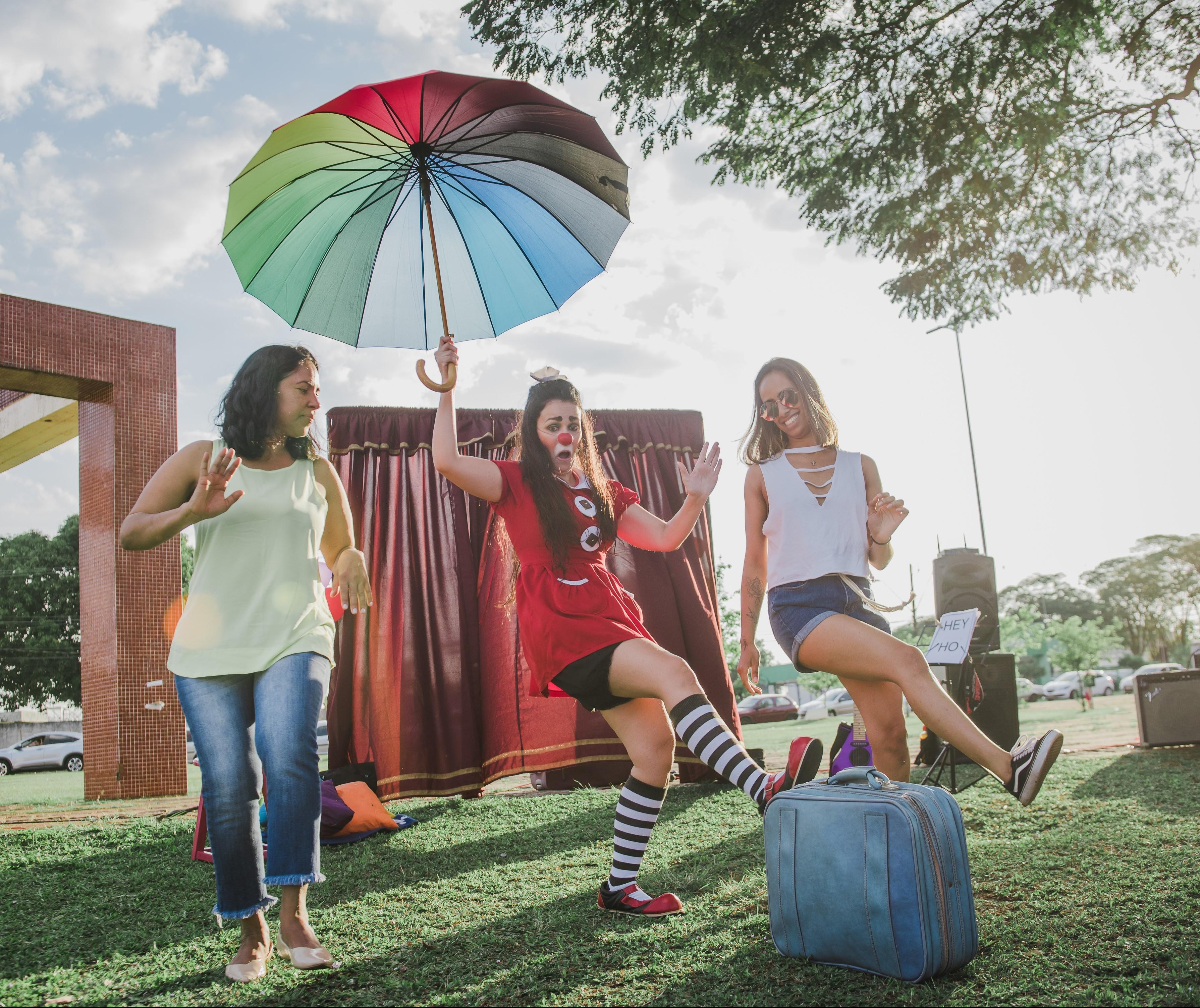 Convite ao Teatro recebe espetáculo solo de palhaçaria feminina em Maringá