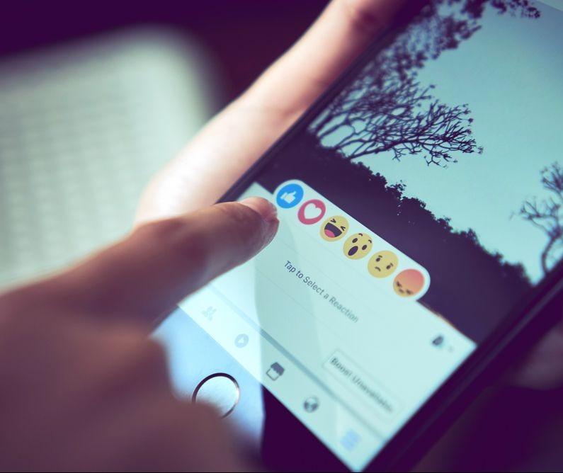 Empresa pesquisa mais de 3 mil perfis de marcas e analisa média de engajamentos em posts