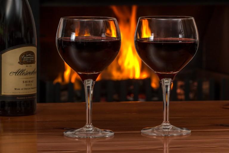 Como apreciar um bom vinho com moderação?