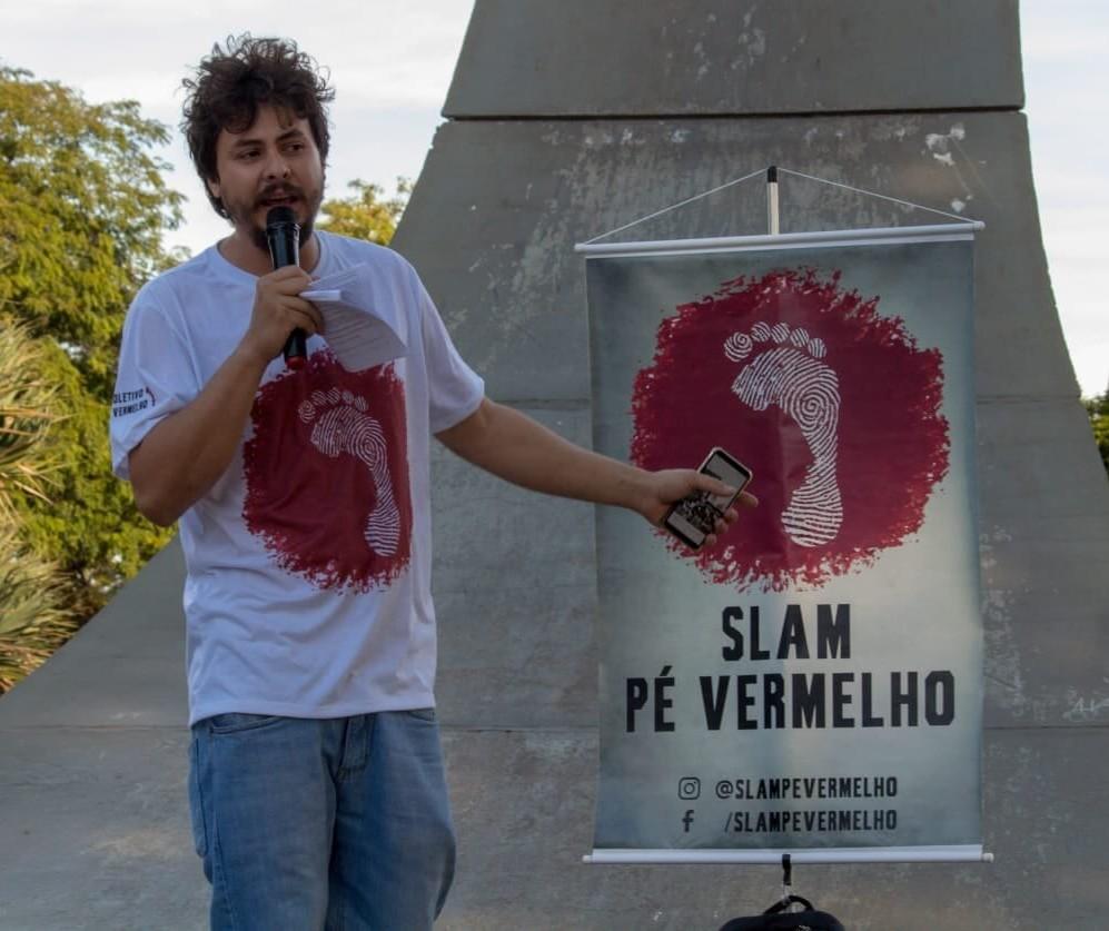Domingo tem poesia falada em Maringá
