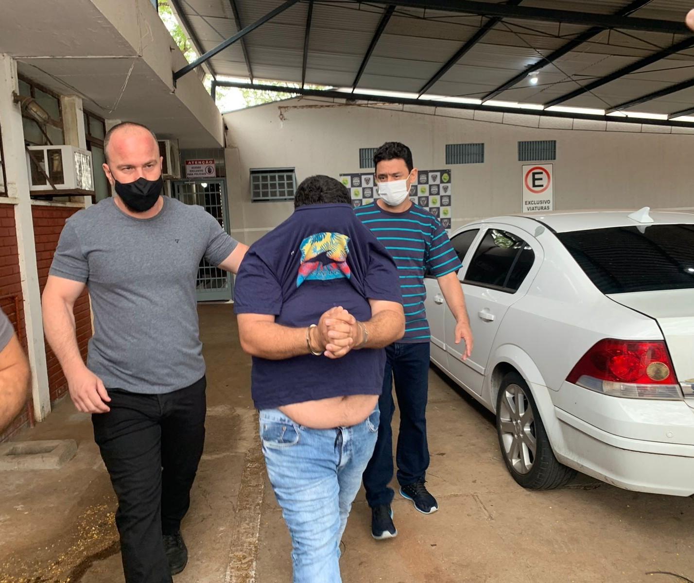 Polícia prende receptador de joias roubadas em assalto a shopping