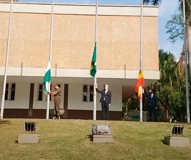 Prefeitura celebra 7 de setembro com hasteamento da bandeira em Maringá