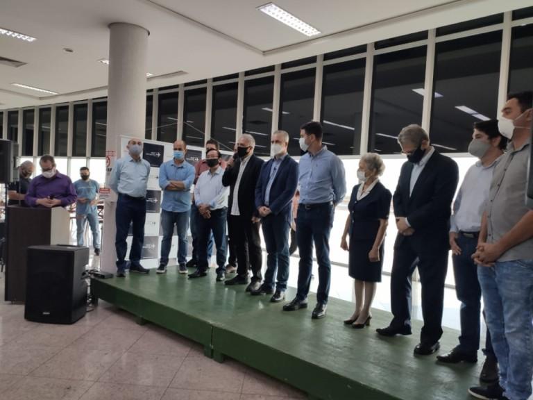 Obras do aeroporto de Maringá devem ser finalizadas neste ano