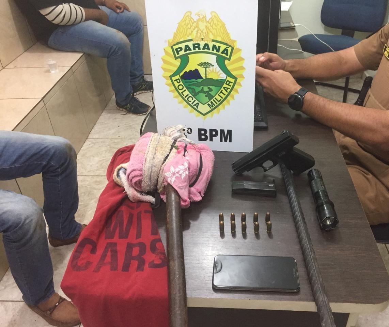 Homem e adolescente são detidos após tentar furtar cofre de posto de combustíveis
